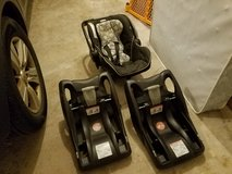Carseat and 2 bases in Naperville, Illinois