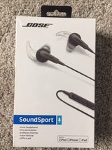 Bose SoundSport in-ear headphones - Apple devices Charcoal in Sugar Grove, Illinois