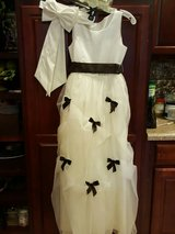 beautiful David's Bridal flower girl dress size 14 in Kirtland AFB, New Mexico