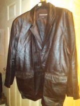 A size 2x Charles Klein Leather Jacket. in Beaufort, South Carolina