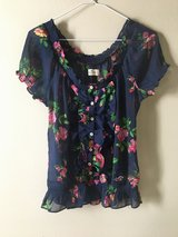 Hollister Blouse XS in 29 Palms, California