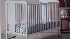 MICUNA baby crib (new) w/new mattress and lot of NB baby stuff in Ramstein, Germany