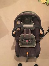 Chicco KeyFit 30 infant car seat in Elgin, Illinois