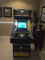 golden tee 4 player machine in Oswego, Illinois