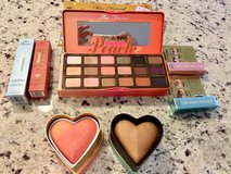 Too Faced Peach Palette Collection NEW in Wheaton, Illinois