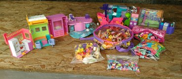 Polly Pockets and Accessories in Fort Campbell, Kentucky