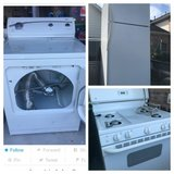 Stove, gas dryer, and refrigerator combo in Pearland, Texas