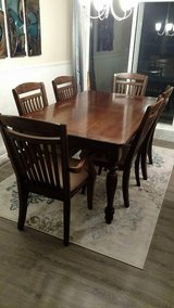 Dining set w/ buffet and mirror in Orland Park, Illinois