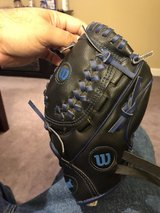 "Wilson 10"" baseball glove in Chicago, Illinois"