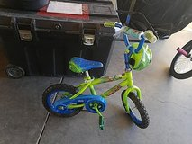 "12"" kids bike with training wheels in Fort Irwin, California"