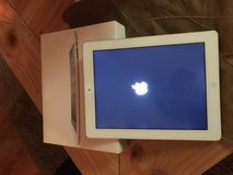 Apple IPAD 2 excellent condition comes with original box in Fort Leonard Wood, Missouri