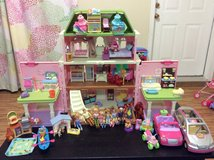 Loving Family Doll House in Bolling AFB, DC