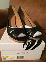 Black wedge Nine West Sz 71/2 in Fort Campbell, Kentucky