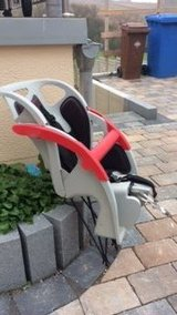 Child bike seat carrier in Wiesbaden, GE