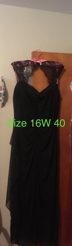 16W Black Key Hole Dress in St. Louis, Missouri