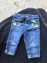 Size 4T girls capris in Camp Lejeune, North Carolina
