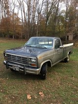 1986 Ford Truck in Fort Campbell, Kentucky