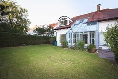 3 min to RB - Great luxury home with sauna and nice garden in upscale residential area in Stuttgart, GE