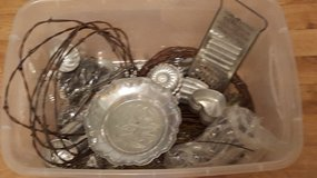 Misc. metal items for crafting - tart molds, rusty wire in Ottawa, Illinois