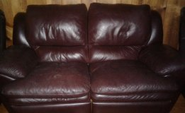 100% Soft leather set! With 3 piece table set! 2 lamps! in Alamogordo, New Mexico