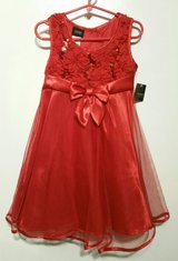 SIZE 4/5 HOLIDAY DRESS in Fort Benning, Georgia