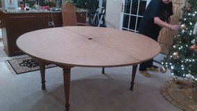6 FOOT ROUND TABLEPADS in Schaumburg, Illinois