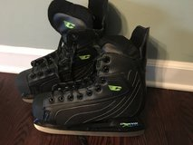 Mens Hockey Skates (Size 10) in Naperville, Illinois