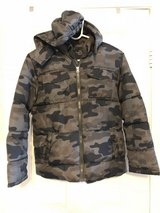 Boys size L 10-12 green camo hooded jacket in 29 Palms, California