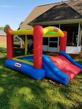 Little Tykes bounce house with slide in Warner Robins, Georgia