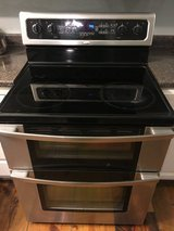 Whirlpool Gold Stainless Steel Stove/Double Oven in Dover, Tennessee