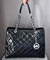 MICHAEL KORS Black Large Leather Quilted Tote/ Purse/ Bag with Silver Tone Hardware in Okinawa, Japan