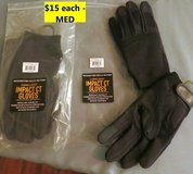 ONE PAIR NEW CAMELBAK IMPACT CT GLOVES - SIZE MED in Cherry Point, North Carolina