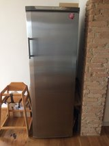 Stainless Steel Fridge in Grafenwoehr, GE