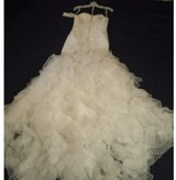 Wedding dress brand new with tags in Kleine Brogel, Belgium