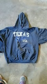 XxL Dallas hoodie in Fort Campbell, Kentucky