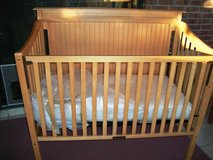 Solid Oak Wood Baby Crib with Mattress in Alamogordo, New Mexico
