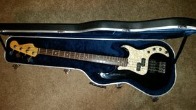 Fender Deluxe Precision Bass in Kingwood, Texas