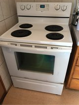 Whirlpool Stove Top Electric Oven in Okinawa, Japan