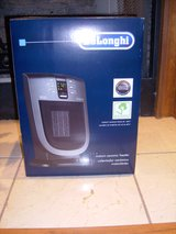 DeLonghi Electric Ceramic Space Heater BRAND NEW in the BOX in Fort Campbell, Kentucky