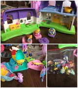 Fisher Price Little People House, Ariel's Gotot and extra figures. in Schaumburg, Illinois