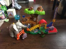 Fisher Price Little People Zoo Set. in Westmont, Illinois