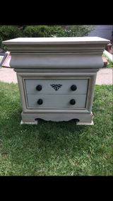 Dresser/Chest in St. Charles, Illinois