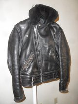 mens motorcycle jacket full thicknes leather with removable fur coller in Fort Irwin, California