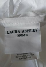 Laura Ashley White Bed Skirt King - Flawed in Lake Worth, Texas