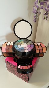 Brand New Make Up Palette in Aviano, IT
