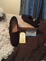 Women's Toms Size 10 *brand new* in Travis AFB, California