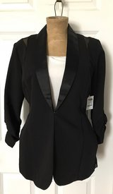 Nwt black blazer with sheer sides/back size xl in Joliet, Illinois