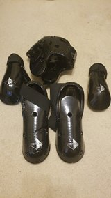 Century Adult Sparring gear, 5 piece in Spring, Texas