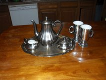 Vintage Coffee/Tea set in Fort Leonard Wood, Missouri