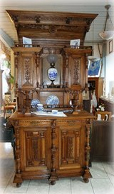 gorgeous tiger oak Renaissance style hutch with ornate carvings in Stuttgart, GE